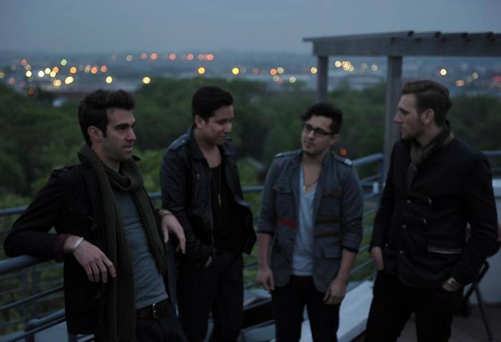 What are some good american authors? ones who live in the US. please help! :)?